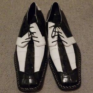 Mauri genuine crocodile shoes.